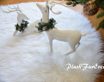 Christmas Decor Area Rug Round Sheepskin True White Warm White Shaggy Lux Furs Rug and can be use as Tree Skirt Long Pile Fluffy Furs