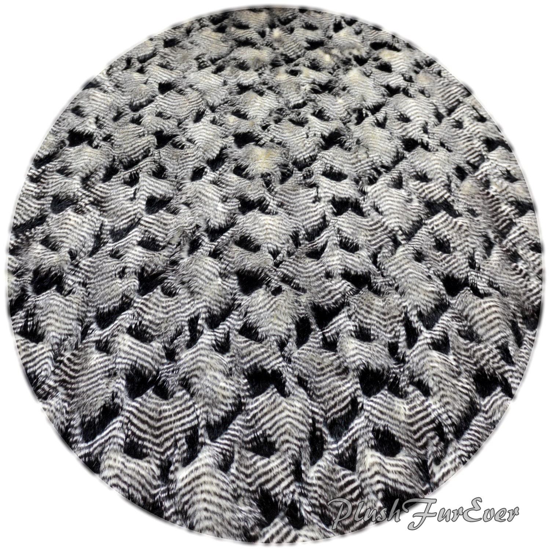 Animal Print Throw Rug: 5' Or 60 Or 150 Cm Round Faux Fur Area Rug Black White