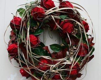 Fri-Collection door wreath with red roses 50 cm