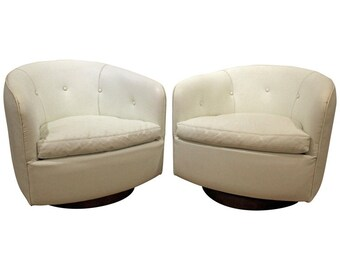 Pair of Mid-Century Danish Modern Milo Baughman Swivel Club Chairs by Thayer Coggin
