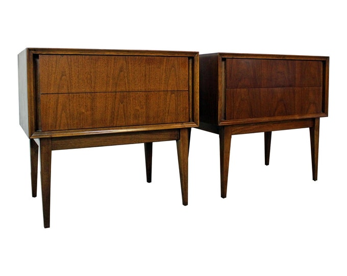 Mid-Century Modern, Modern Nightstands. Pair of Nightstands, Walnut Nightstands, Vintage Nightstands