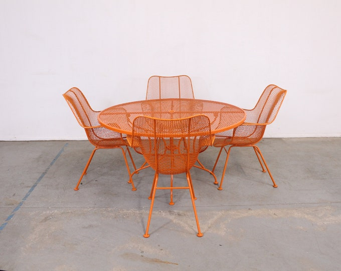 Mid-Century Modern Woodard Sculptura Table and Chairs