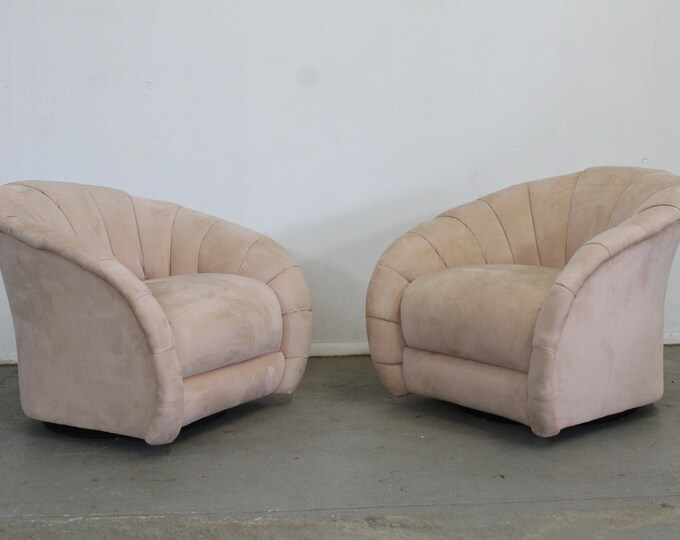 Pair of Mid-Century Modern Vladimir Kagan Style Swivel Club Chairs