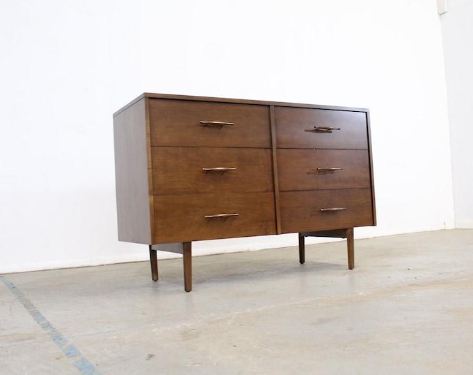 Mid-Century Modern Paul McCobb  Bachelor Chest /Dresser