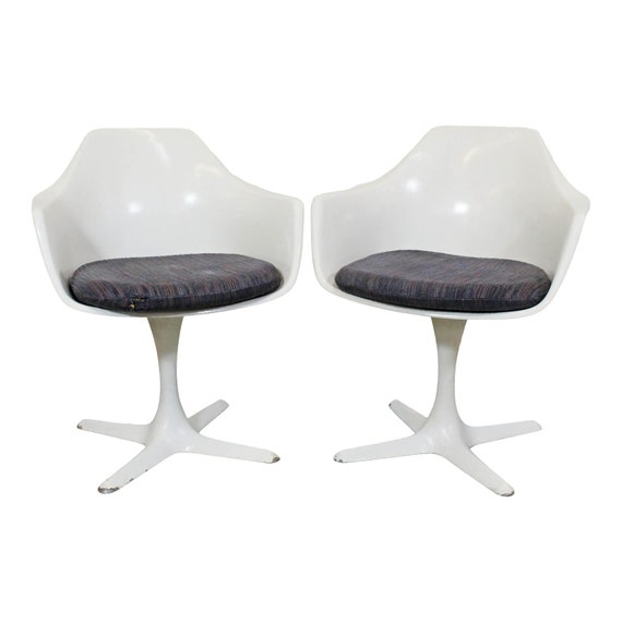 Brilliant Mid Century Modern Saarinen Style White Swivel Tulip Arm Chairs Dining Chairs Onthecornerstone Fun Painted Chair Ideas Images Onthecornerstoneorg