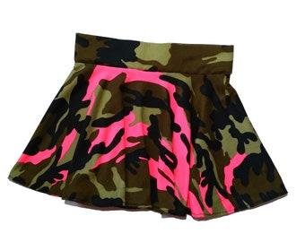 Girls camo and pink skort yl (9/10) dancewear, gymnastic, cheer skort, twirly skirt with attached shorts, skate skirt, optional scrunchie