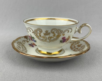 Small Daisy Teacup and Saucer Made in Germany #DCG339
