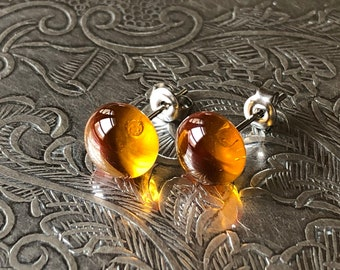 Amber ear chips in Murano Glass and Hypoallergenic Surgical Steel (Inox), made by a Glass Craftsman
