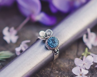 Kingman Turquoise Ring - Size 7 1/2 US - Sterling Silver