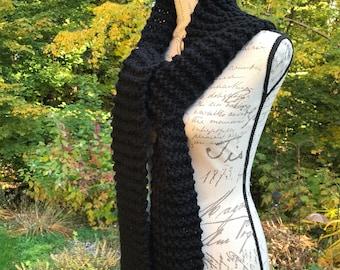 The DECLAN Scarf // Black Chunky Knit Fringe Scarf
