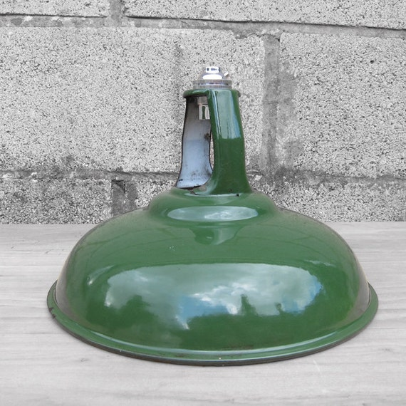 Green Enamel Light Lamp Shade - Coolicon bayonet fit bulb Holder