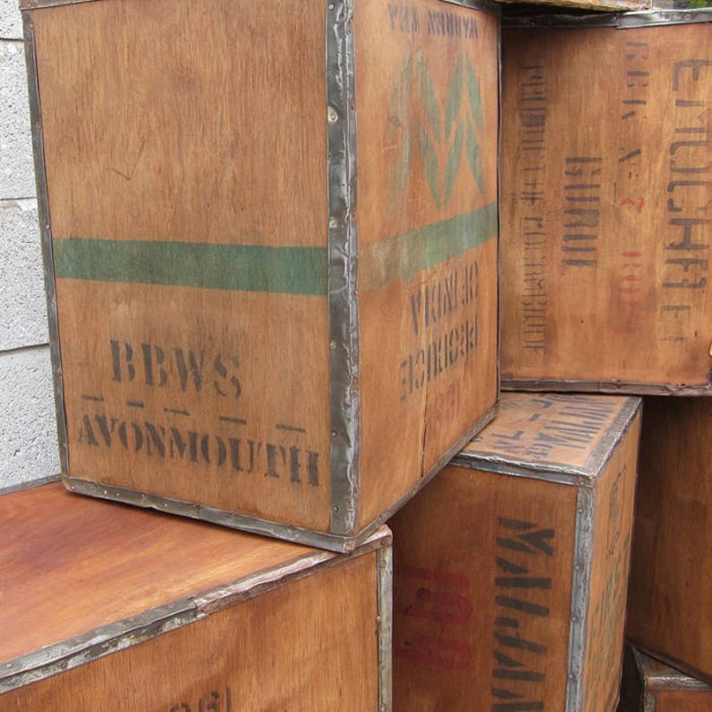 1 X Old Vintage Wooden Tea Chest Crate Side Table Coffee Furniture Reproduction Boxes/chests