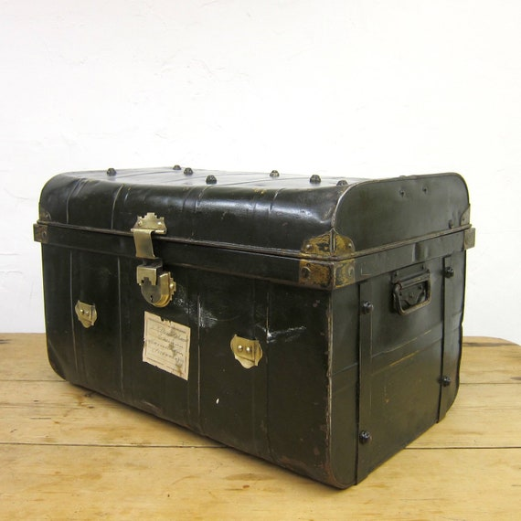 Industrial Green Storage Travel Trunk Coffee Table Chest 1930s