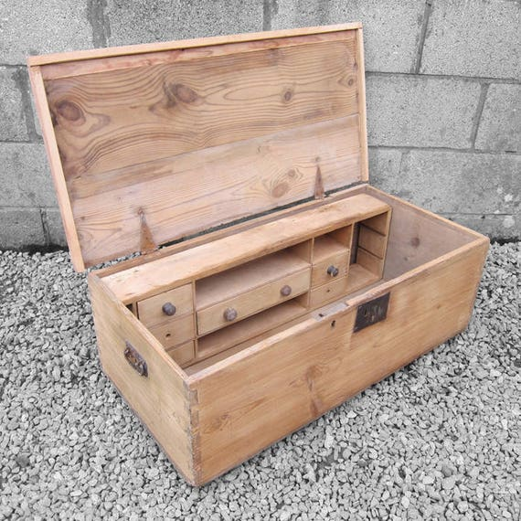 Rustic Pine Tools Chest Box Coffee Table Victorian