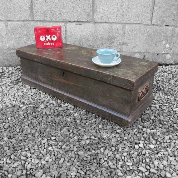 Rustic Storage Trunk Chest Coffee Table Work Mans Vintage Wood Pine Tools Box