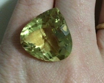 22.00ct Big Ouro Verde Pear Cut 100% Natural