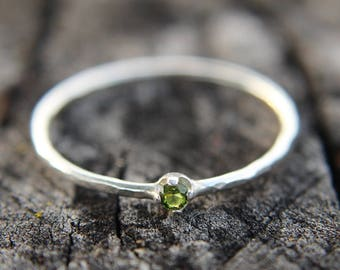 Peridot, sterling silver hammered stacking ring with 2mm stone