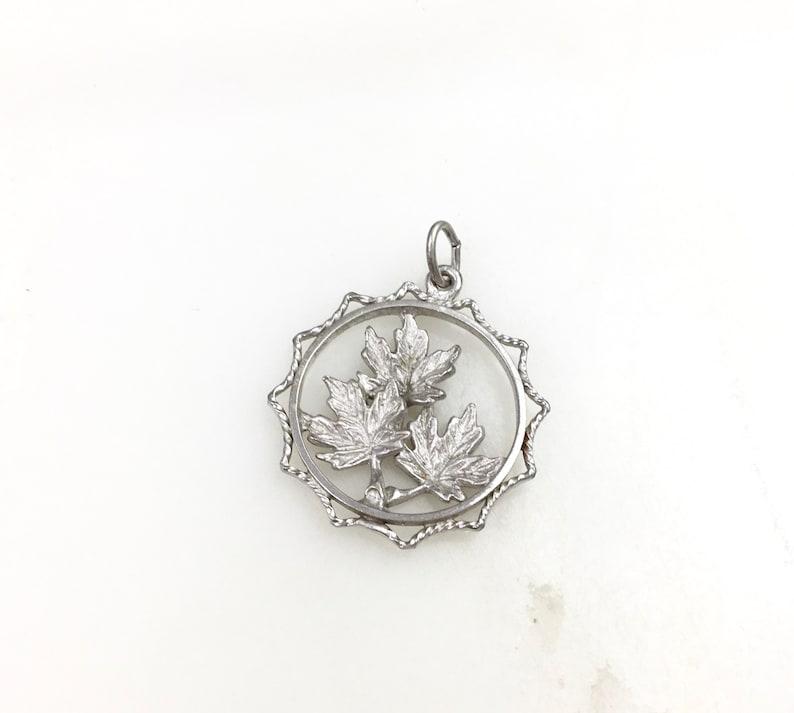 Vintage 925 Sterling Silver Maple Leaf Charm Pendant Necklace
