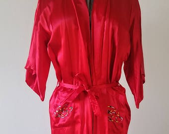 Vintage Vibrant Red Satin Chinese Dragon Robe   Chinese   Made in Hong  Kong   Vintage   Robe   Dragon   Embroidered   Satin   Retro   Unisex 318ba0437