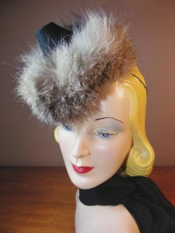 New York Creations Black Felt Pointed Racoon Fur H