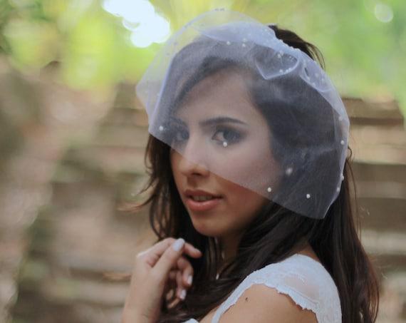 Pearl adorned minimalist bridal tulle veil