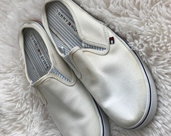 3dd5290ce5b6 Vintage Throwback Retro 90s Tommy Hilfiger Classic Sneakers Slip On Shoes  7.5