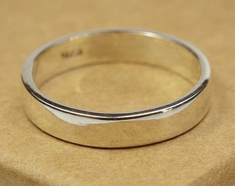 Womens Sterling Silver Wedding Band Ring. Simple Style. Flat Shape 4mm