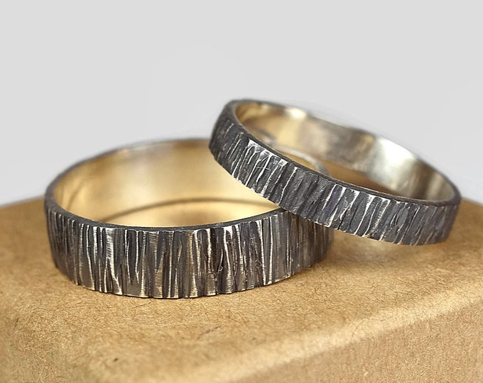 Tree Bark Wedding Band Ring Set for Couples. Rustic Antique Style. Dark Oxidized finished.  Wood Grain Texture, Flat Shape 4mm and 6mm