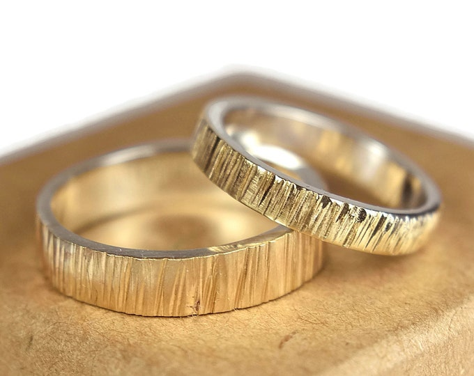 Yellow Gold Bark Effect Wedding Band Set. 9ct Yellow Gold Tree Bark Organic Texture Wedding Band for Couples