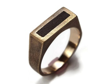 Mens Antique Solitaire Ring Brass and Ebony. Oxidized Finish. Antique Style. Signet Ring 8mm