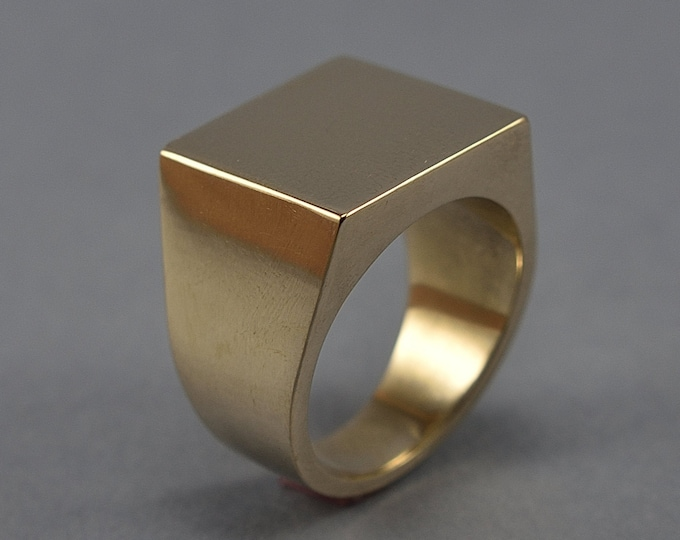 Brass Square Signet Ring. Men's Geometric Signet Ring. Brass Heavy and Solid Signet Ring. Signet Ring Polished Brass. Custom Signet Ring