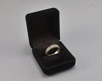 Classic Black Velvet Ring Box. Vintage Black Velvet Ring Box