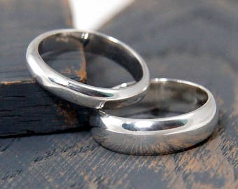 Classic wedding band ring set. 925 Sterling Silver Classic Wedding Band Rings. His and hers wedding band ring set. His & hers promise rings.