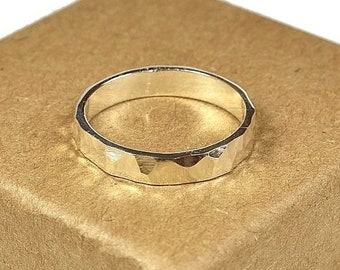 Sterling Silver Wedding Band Ring Women. Textured Stone Style. Hammered Shape 4mm
