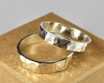 Sterling Silver Wedding Band Ring Set for Couples. Rustic Style. Flat Hammered Shape 4mm and 6mm
