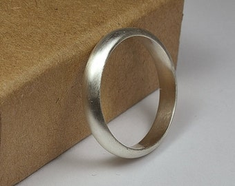 Womens Sterling Silver Wedding Band Ring. Classic Matte Style. Half Round Shape 4mm