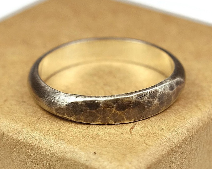 Womens Dark Antique Silver Wedding Band Ring. Antique Style. Hammered Half Round Shape 4mm