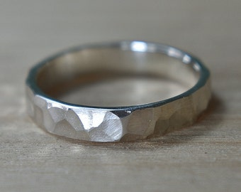 4mm Hammered Sterling Silver Ring. Hammered Wedding Ring. Hammered Silver Band. Hammered Wedding Band for Woman. Hammered Wedding Band
