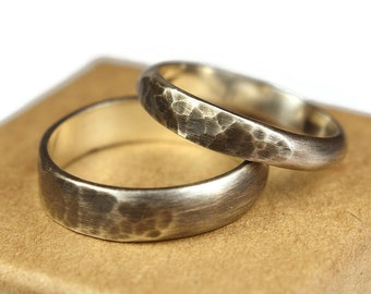 Womens Dark Silver Wedding Band Ring Set. Antique Style. Hammered Half Round Shape 4mm and 6mm