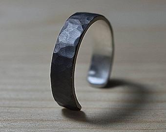 Adjustable Mens Black Silver Wedding Band Ring. Hammered Black Silver Wedding Band Ring. Mens Hammered Adjustable Silver Band Ring