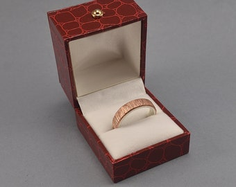 Vintage Red Leather Ring Box. Ring box made Imitation Crocodile Skin Leather in Red Color