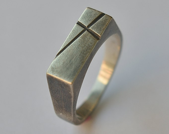Antique Silver Signet Ring with Cross. Custom Antique Signet Ring. Personalized Cross Ring. Cross Ring for Men. Oxidized Solid Ring