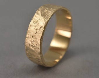 Men's Rustic Wedding Ring made of Brass. Hammered Lava Textured Wedding Ring. Gilded Ring. Matte Finish