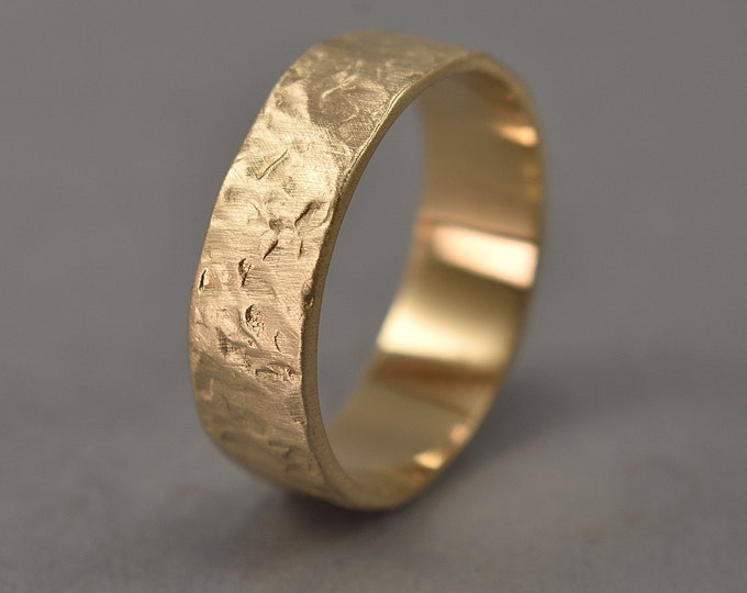Men's Rustic Wedding Ring in Brass. Hammered Lava Textured Wedding Ring. Gilded Ring. Matte Finish