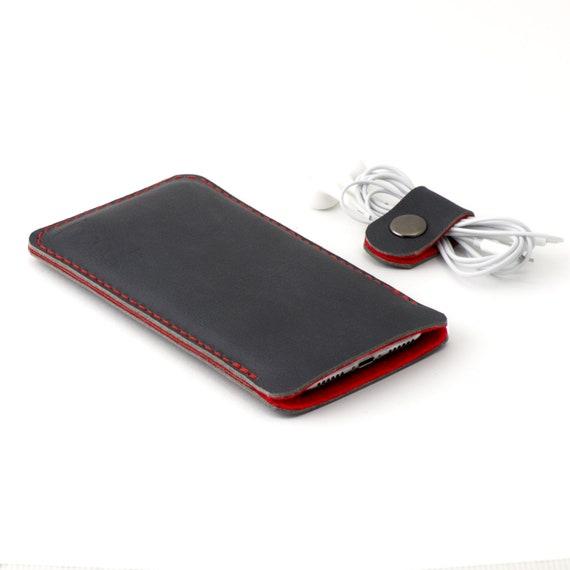 Lederen iPhone Xs hoesje antracietzwart leer met rode wol vilt Beschikbaar voor alle iPhone modellen