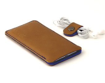 Leather OPPO Find X3 Pro sleeve - and other models - Cognac color leather with blue wool felt lining - Available for all OPPO models