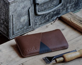 Full-grain leather OPPO Find X3 Neo case - Brown leather with two pockets voor cards. Wallet sleeve Also available for other OPPO models.