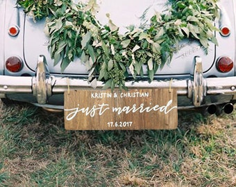 """Wooden sign """"Just married"""" with custom names and date / Wedding car decoration / Calligraphic rustic wood wedding car decor"""