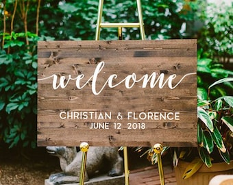 """Wedding """"Welcome"""" wooden sign / Calligraphic sign with personalized text / Custom old rustic wood wedding decor"""