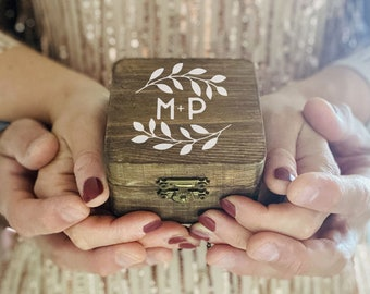 Wooden box rings holder with custom hand lettering / Custom ring holder / Personalized with groom's names and wreath